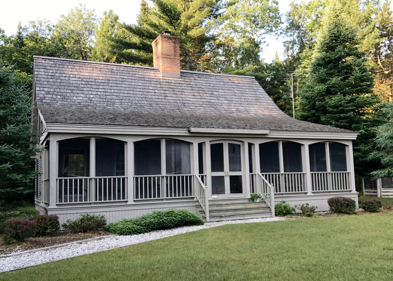Grand Rapids Best Cedar Roof Cleaning Roof Cleaner