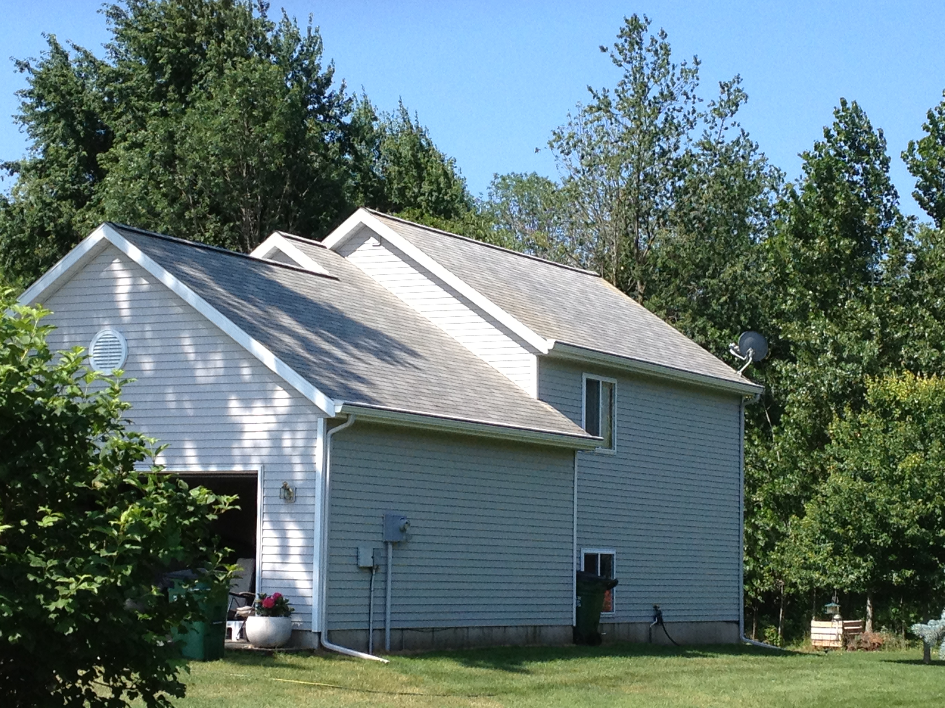 Roof And Siding Wash Hudsonville Mi Roof Cleaner